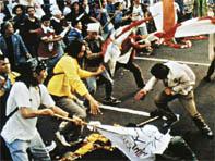 Les émeutes de Jakarta (Mai 1998) suite à la crise asiatique de 1997